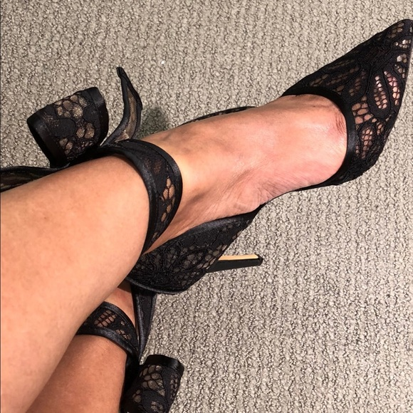Lace Kaiaa Bow Evening Pumps